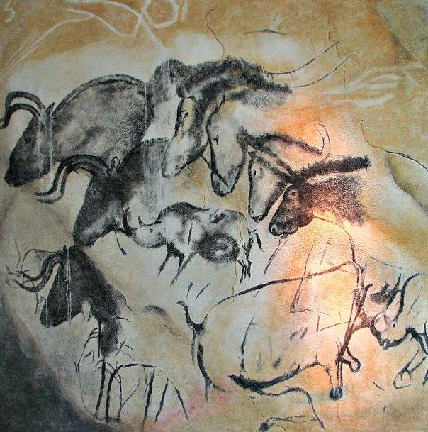 Réplica de una de las pinturas de la cueva Chauvet, expuesta en el Pabellón Anthropos del Museo de Moravia de Brno (República Checa). El grupo de caballos probablemente no represente a una manada, sino más bien algún tipo de estudio etiológico, en el que se observa al animal de izquierda a derecha en calma, agresividad, durmiendo y pastando. (Public Domain)