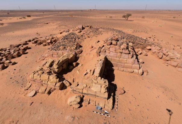 Cámaras funerarias subterráneas de la reina Khennuwa, Meroe. (P. Wolf/DAI)