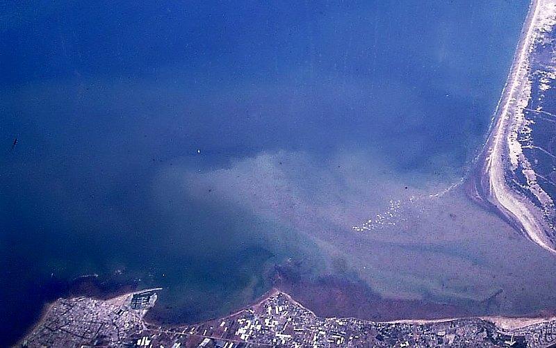 Vista aérea de la desembocadura del río Guadalquivir, en la península ibérica, lugar donde el nuevo estudio sitúa la antigua localización de la Atlántida. (Carlos Delgado/CC BY-SA 3.0)