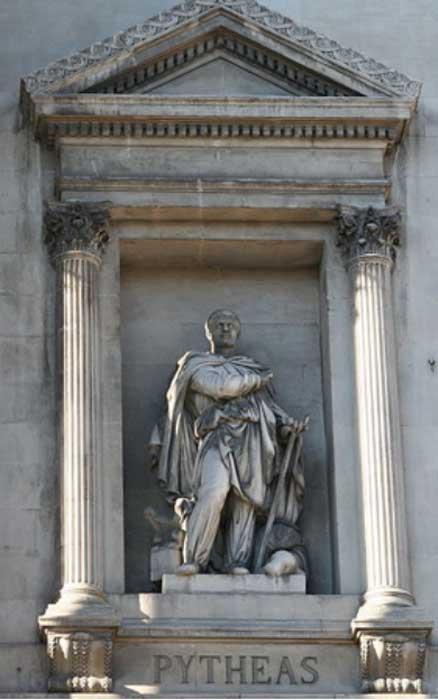 Estatua de Piteas obra de Auguste Ottin (1811-1890). Fachada de la Bolsa de Marsella (CC by SA 3.0)