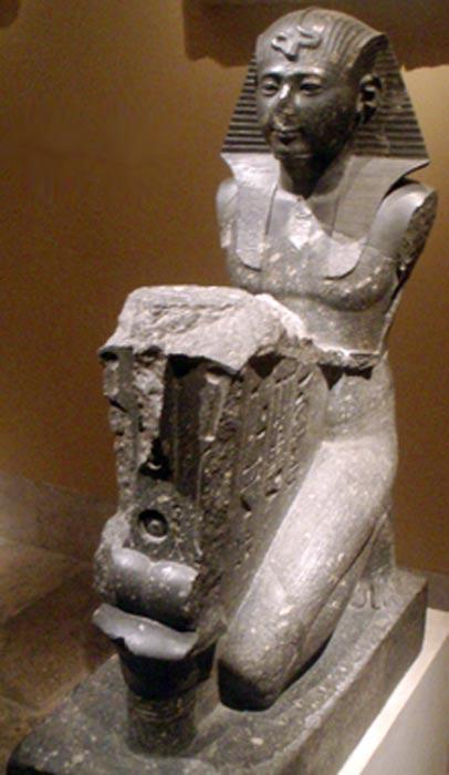 Seti I realizando una ofrenda a Osiris. (CC BY-SA 2.5)