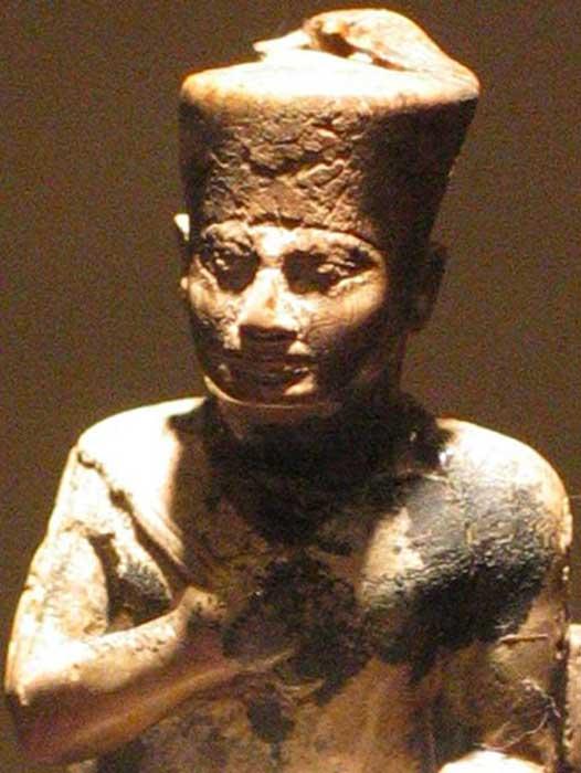 Estatua del faraón Khufu (Keops), Museo del Cairo (Public Domain)