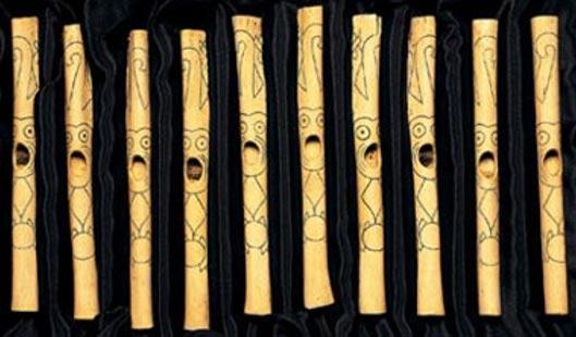 Las gentes de Caral fabricaban flautas con huesos de cóndores y pelícanos (Imagen original)