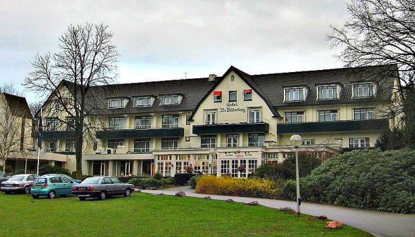 Fachada del hotel holandés De Bilderberg en Oosterbeek, donde el Club Bilderberg se reunió por vez primera y del que tomó su nombre. (M.M.Minderhoud/GNU FREE)