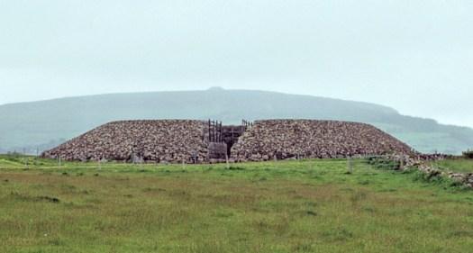 Listoghil, en Irlanda, es una estructura datada en torno al año 3550 antes de Cristo. (Fotografía: Hipertextual)