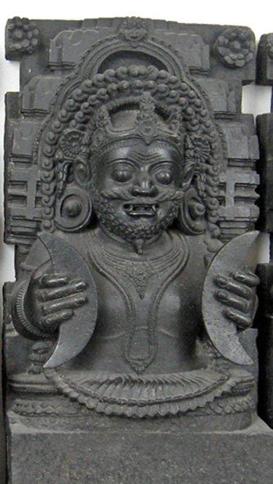 Rahu: Cabeza del Demonio Serpiente, Ídolo de Konarak, Museo Británico. (Public Domain)