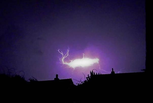 Fotografía de un rayo globular. (Joe Thomissen/CC BY SA 3.0)