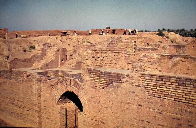 Las ruinas de Babilonia (actual Iraq) en el año 1975. (Dominio público)