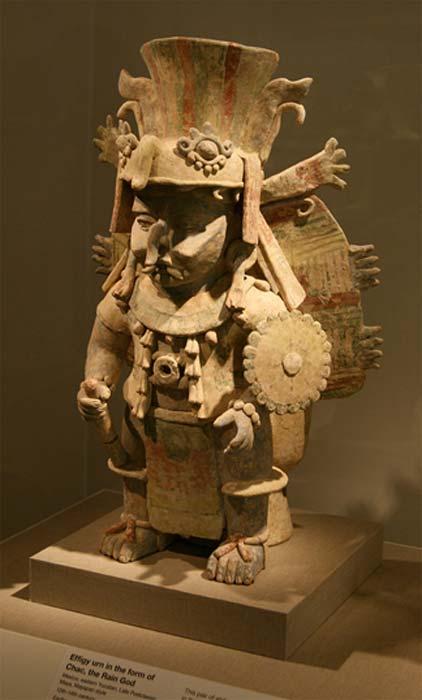 Urna cerámica (quemador de incienso) con la efigie de Chaac, siglos XII – XIV. (Dominio público)