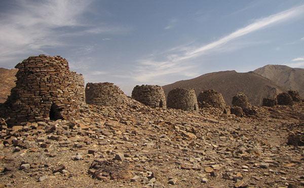 Ancient-beehive-tombs-of-Oman.jpg