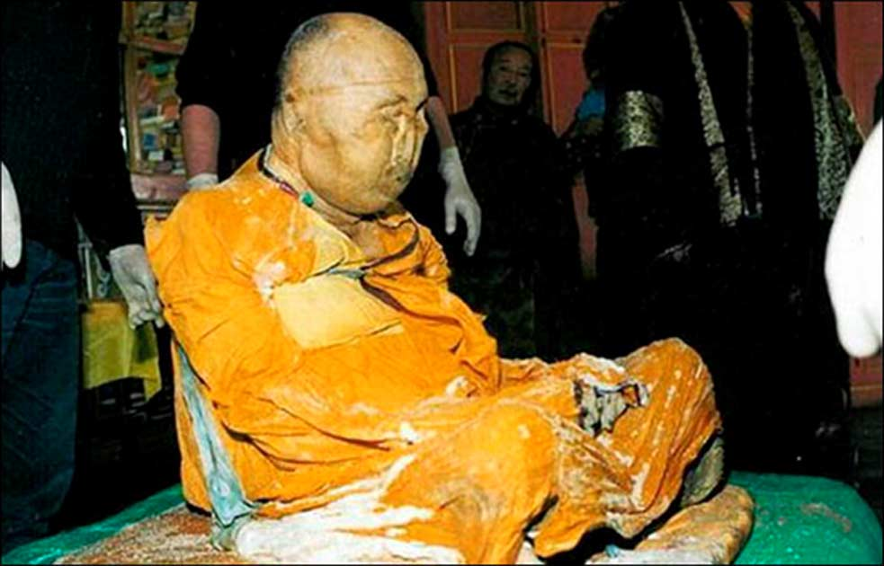 Portada - Desde hace tiempo hay gente que cree que el lama sigue vivo en un estado similar al nirvana. Fotografía: The Siberian Times.