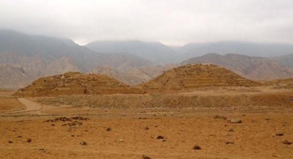Las pirámides de caral. Fuente de la foto: Wikipedia
