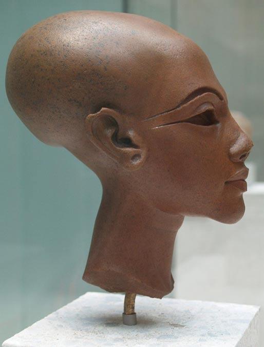 Un busto detto di essere di una principessa di Amarna