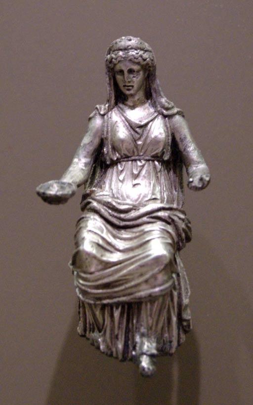 Plata estatuilla de Juno.  Primero en el siglo segundo.