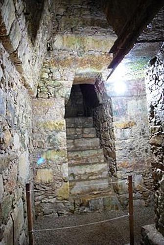 Unravelling The Mysteries Of The Tomb Of The Red Queen Of