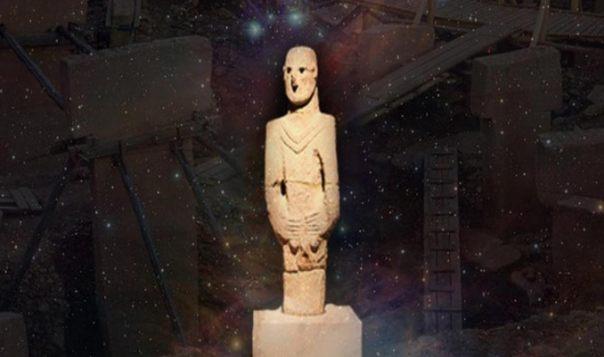 Estatua de Göbeklitepe en Urfa Museo, Nebulosa de Orión y Gobekli Tepe