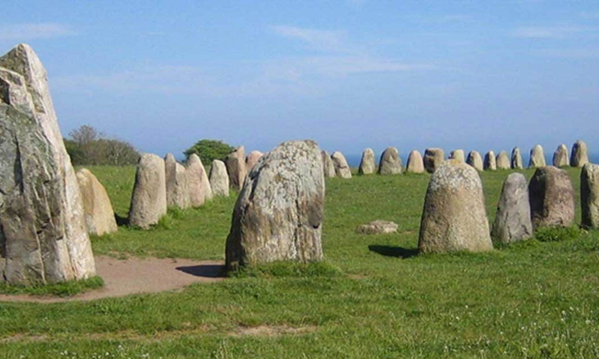 Плавание в загробную жизнь: таинственные каменные корабли Балтийского региона