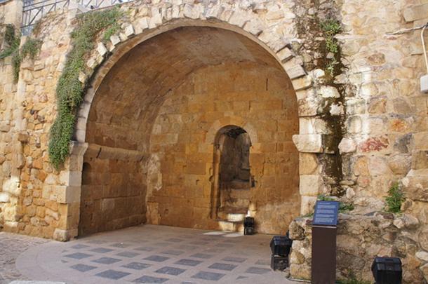Modern day Cave of Salamanca.
