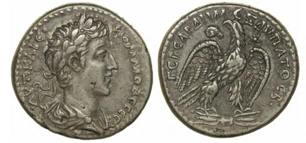 Roman coins featuring Commodus.