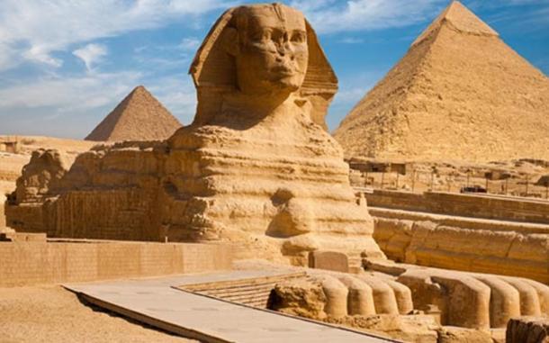 egli Sfinge di Giza, in Egitto.