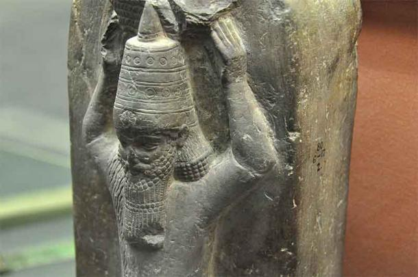 Image shows a detail from a stone monument of Ashurbanipal II from the temple of Nabu at Borsippa in Iraq. (Osama Shukir Muhammed Amin FRCP / CC BY-SA 4.0)