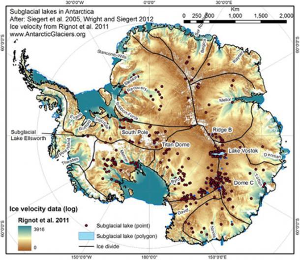Laghi subglaciali identificati sotto il continente antartico.