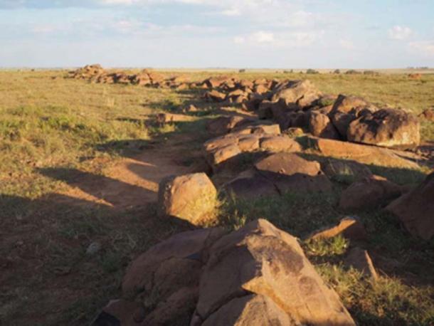 Le dighe granoforo misurano 6 miglia (10 chilometri) di lunghezza ma sono larghe solo pochi metri. (Dr. Matthew Huber / Università dello Stato libero)