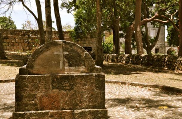 Ce tombeau de Rose Hall, en Jamaïque, est prétendument celui dans lequel Annie Palmer est enterrée.