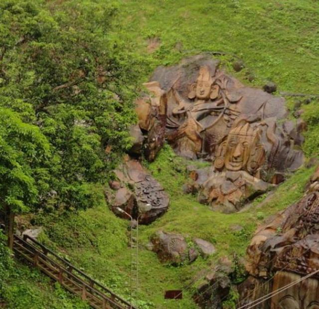 Unakoti bas relief India - Los Misteriosos Unakoti bajorrelieves y la maldición de un Dios