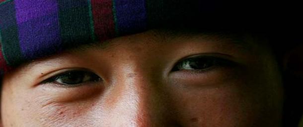 Mian Xiang suggerisce la distanza tra gli occhi in grado di dimostrare se si è rilassato e concentrato.