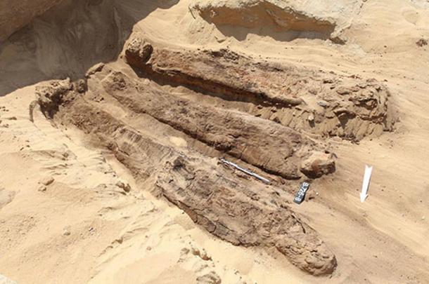 La maggior parte delle mummie trovate vicino alla piramide di Djoser furono messe a riposo solo con modeste disposizioni