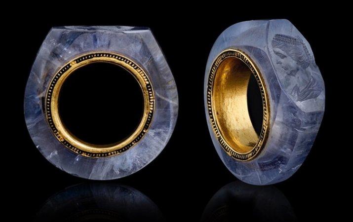 Caligula's Stunning Sapphire Ring Tells Of A Dramatic Love Story