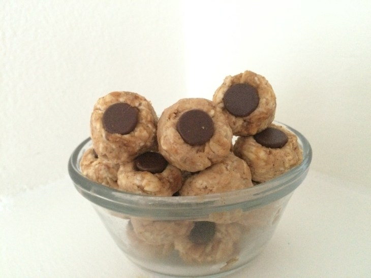 double-pb-and-chocolate-chip-protein-eye-balls-2-and-a-dash-of-cinnamon