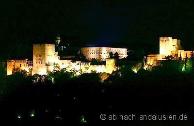 Alahmbra bei Nacht