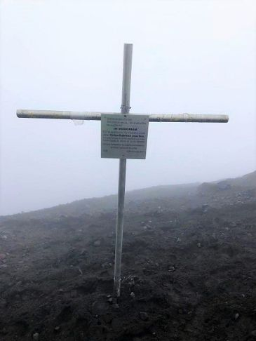 memorial cross Tungurahua
