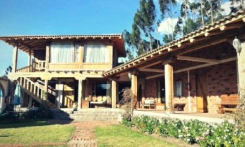 Jimenita facade quito photography tour Ecuador & Galapagos