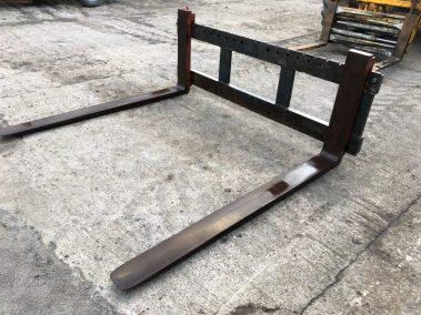 pallet forks wide carrage