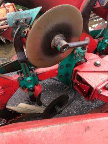 Kverneland pb 100 plough