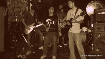 2013 - Primeiro show da Verbo Vitrola Motor band no Berimbau Circo Bar