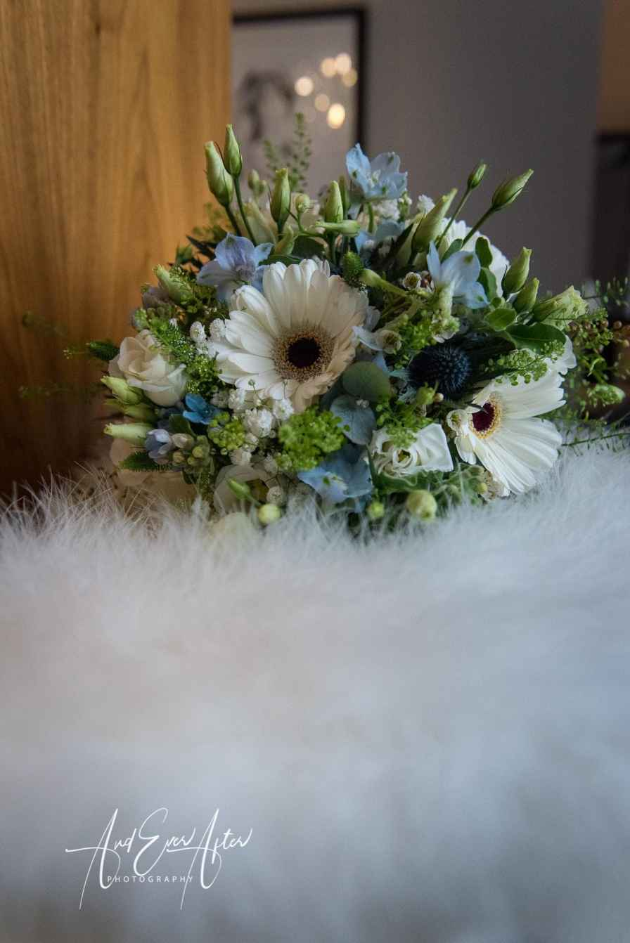 wedding bouquet, wedding flowers