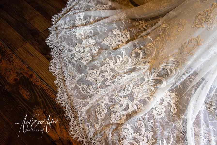 Le Petit Chateau, Wedding Dress Detail