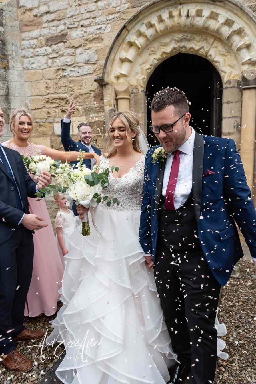 wedding day, bride and groom, confetti