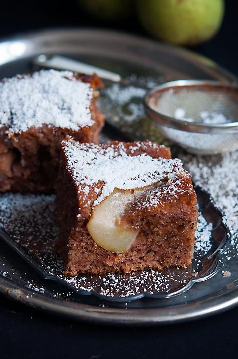 Prajitura insiropata cu pere/ Sticky pear cake