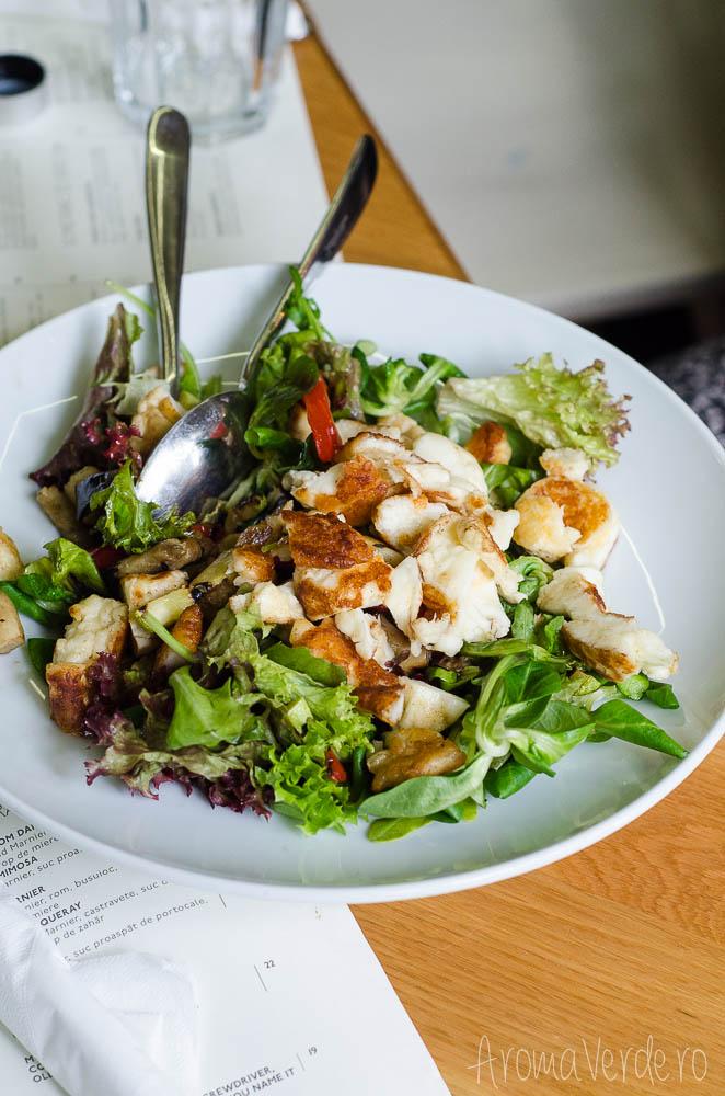 salata-cu-halloumi-simbio-restaurant