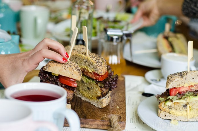 sharing-burger-vegan-simbio-restaurant