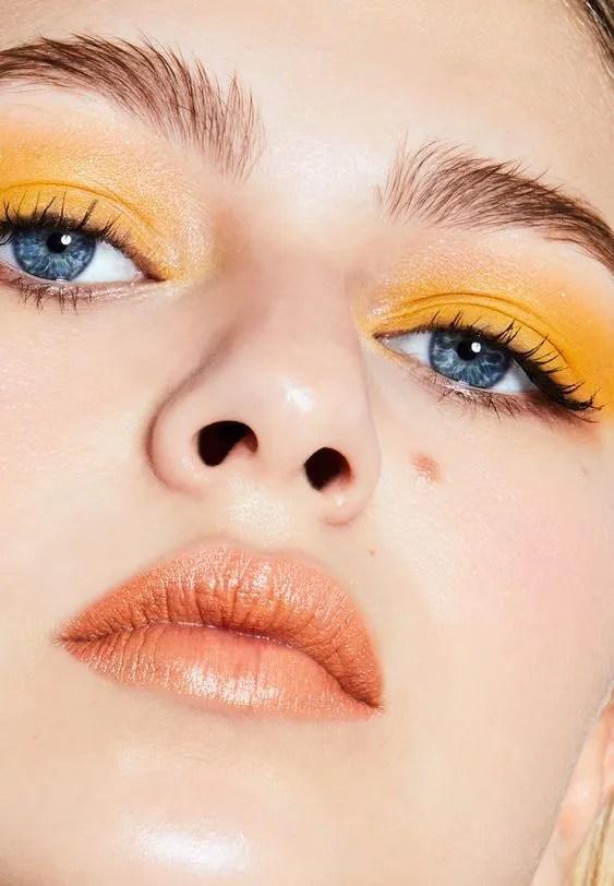 makeup inspo di primavera con un trucco giallo