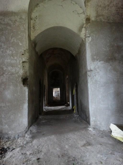 convento-abbandonato-09