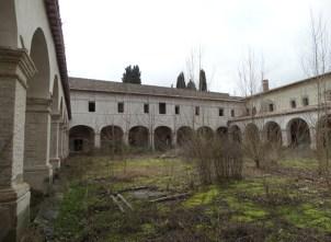 convento-abbandonato-14