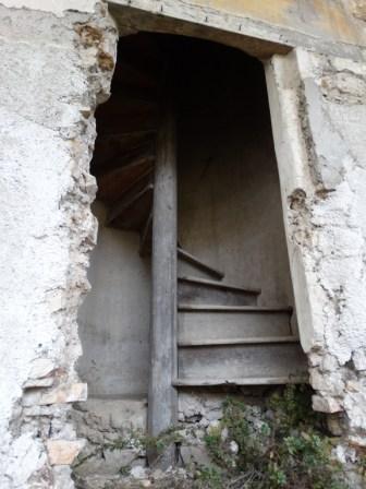 convento-abbandonato-32