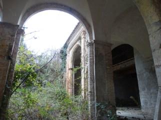convento-abbandonato-33